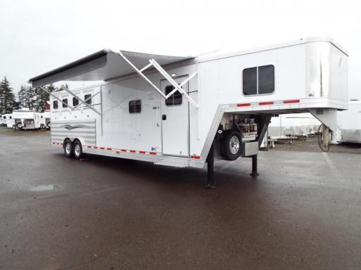 2017 Featherlite 9821 4 horse 11 ft lq w/ slide out