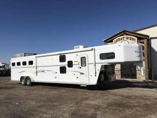 2008 Trails West 12 sw 4 horse bunk bed slide out trailer