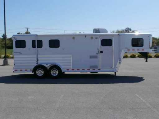 2009 Kiefer Built 3 horse !!! 6ft lq !!! super clean !!!