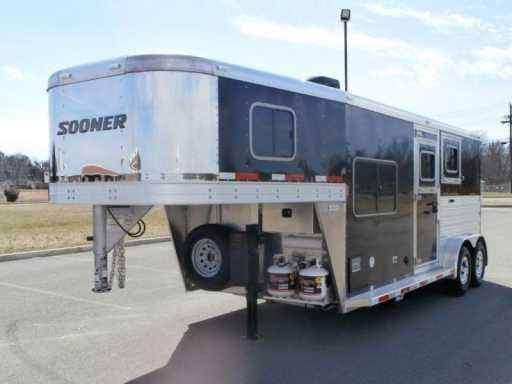 2014 Sooner 2 horse !!! 7 ft lq !!! great buy !!!
