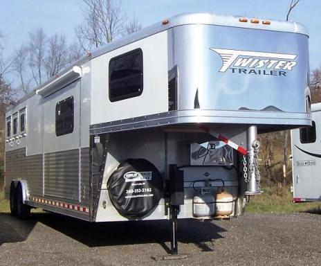 2009 Twister Trailer longhorn conversion