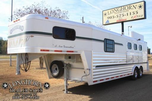 2001 Bloomer 3 horse 10ft lq with mangers