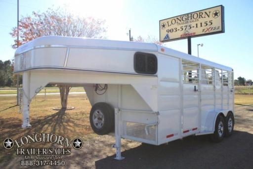 2016 Calico 3 horse with a front tack room
