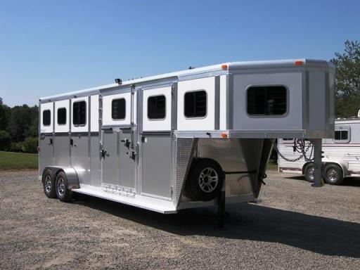 2018 Carriage 2 + 1 gn carriage trailer w/dress