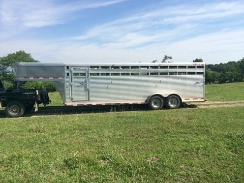 2008 Circle J cattle trailer