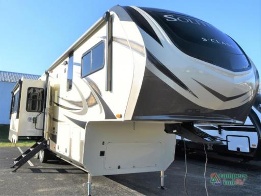 2020 Grand Design RV solitude s-class