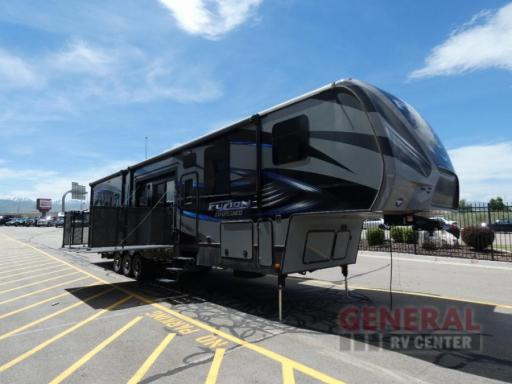 2016 Keystone RV 420 chrome