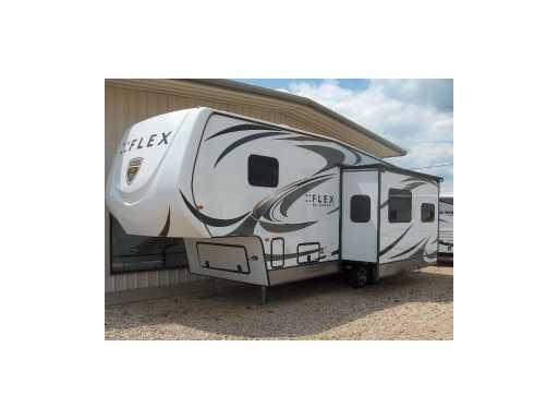 2013 Augusta RV 29' flex