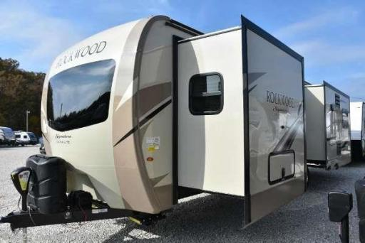 2018 Forest River rockwood signature ultra lite
