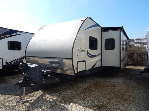 2016 Coachmen RV freedom express