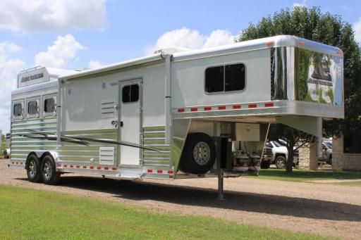 2020 Elite 3 horse 10.8 shortwall with generator