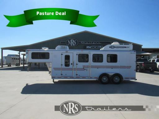 2001 Silver Star 3 horse weekender living quarters trailer