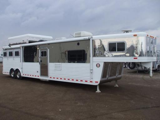 2003 Elite 3 horse 18' sw couch & chairs + outlaw + air ride