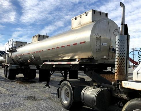 2005 Brenner dot 412 4300 gal air ride