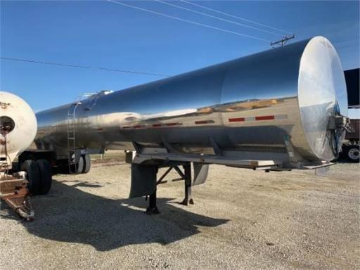 1996 Beall 8500 gallon - food grade
