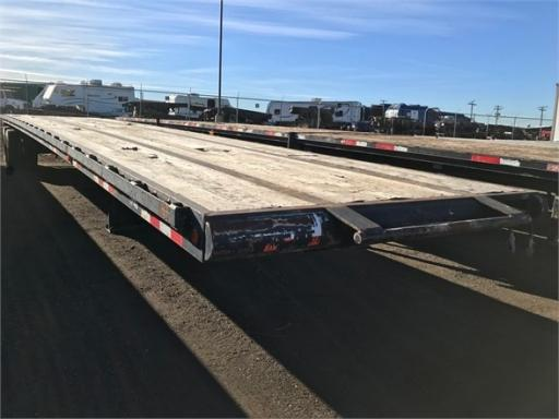 2009 Wade 45' steel flatbed, folding dolly legs for throat p