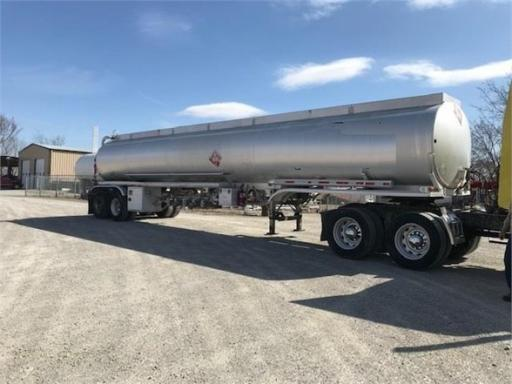 1992 Fruehauf 9,200 gal/ 5 compartment/ double bulkhead!