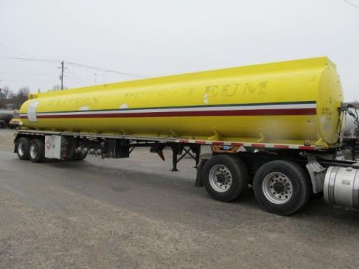 1981 Heil 9000 gallon 4 compartment aluminum